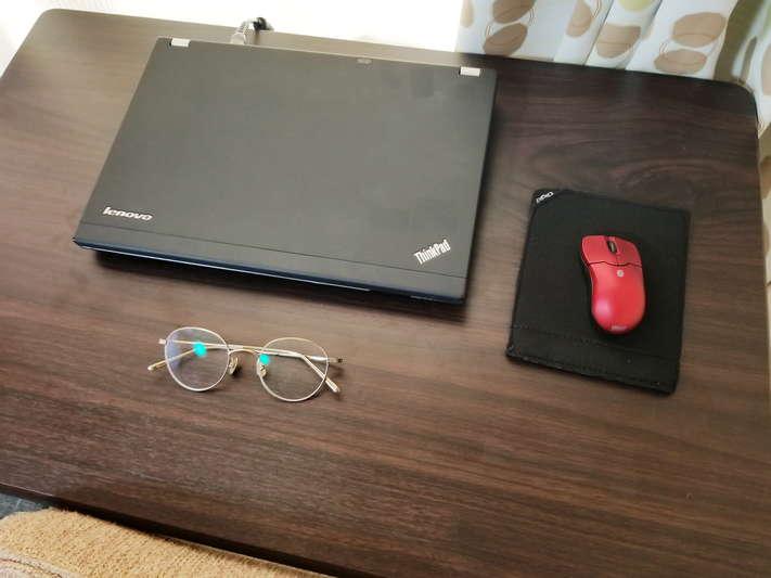一人暮らしに最適な机!?シンプルなニトリの折りたたみ机